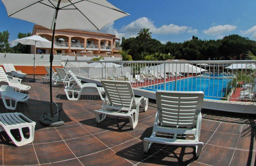 location T3 avec piscine La Londes les Maures