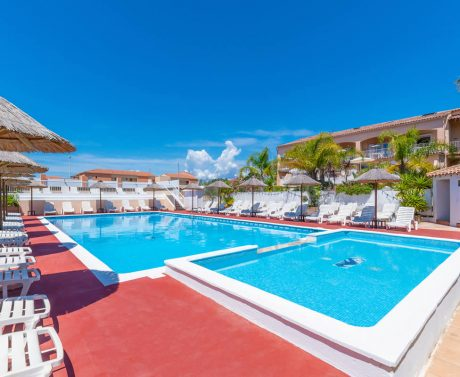 location avec piscine La Londe
